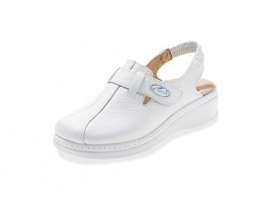 Zapatos y zuecos 9
